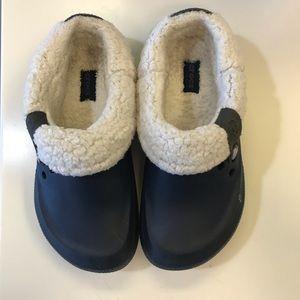 Crocs: Navy w/Sherpa